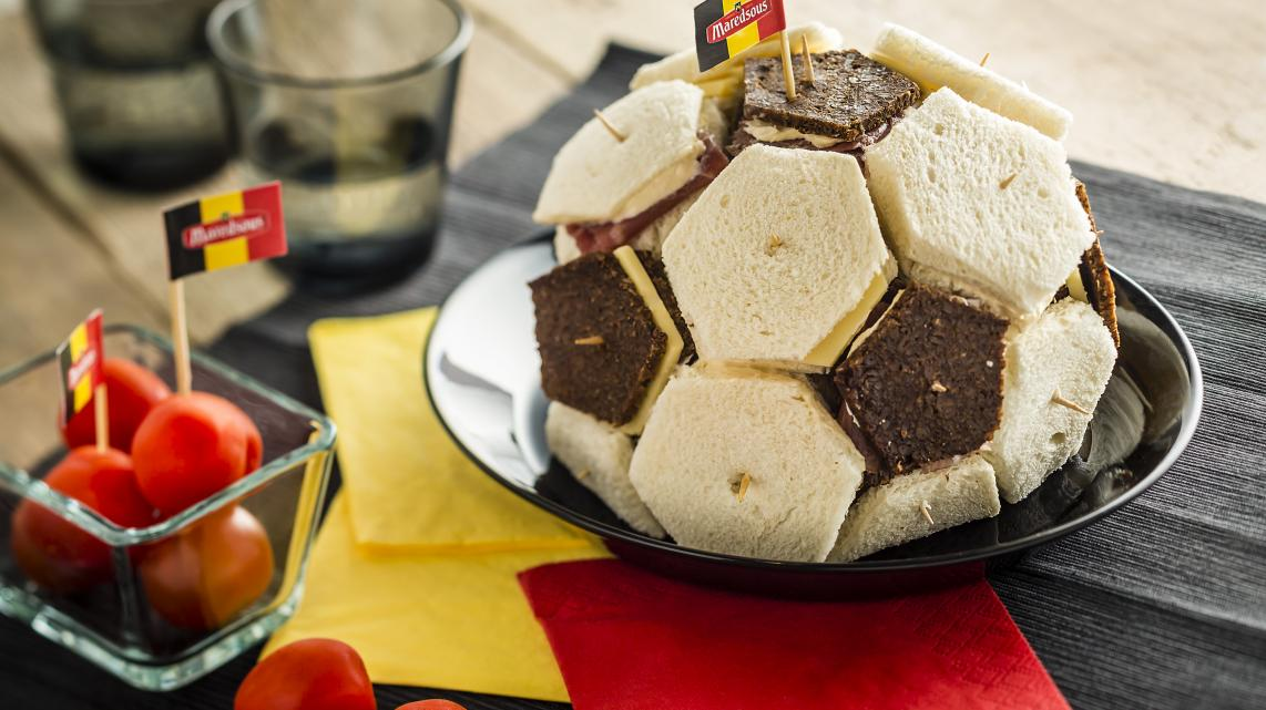 Mini-Sandwiches in voetbalvorm